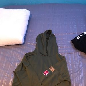green crop top lightweight hoodie